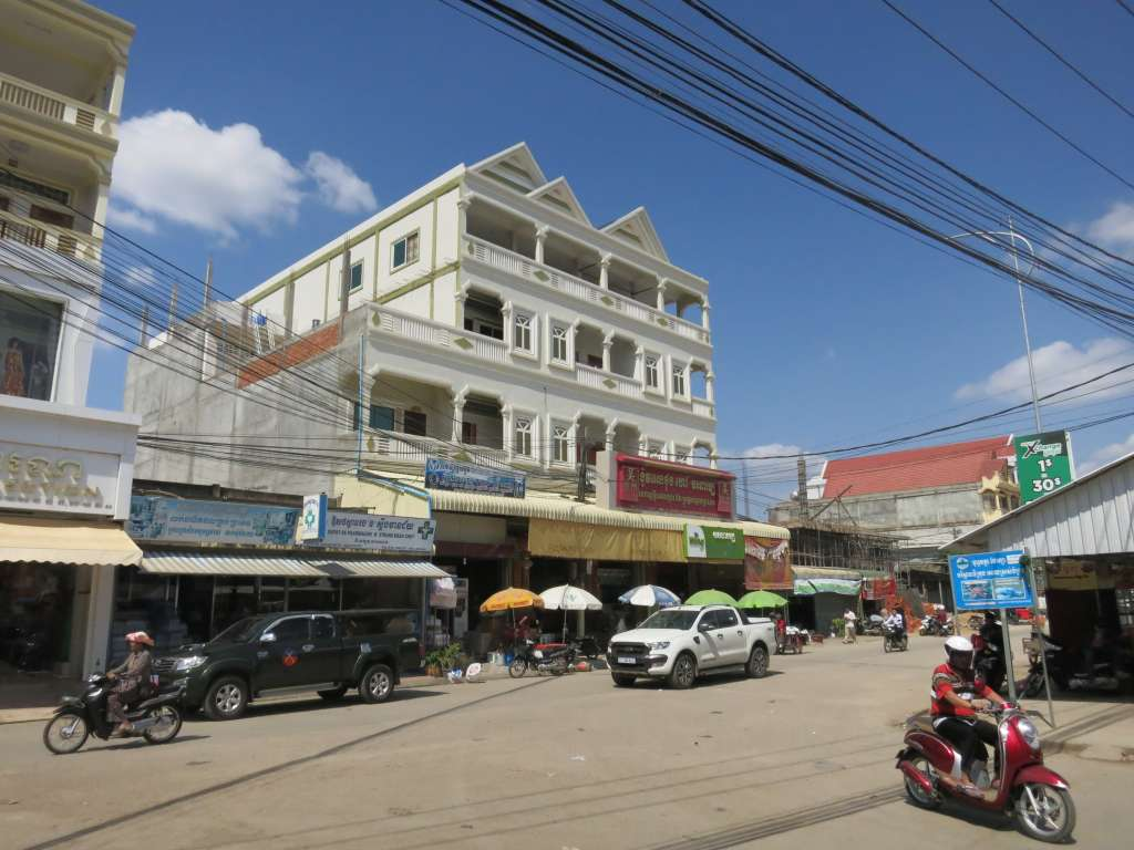 Poipet around the new market