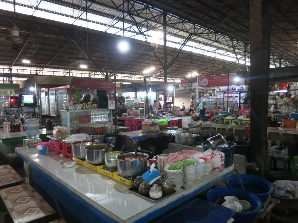 Poipet inside the new market food stalls