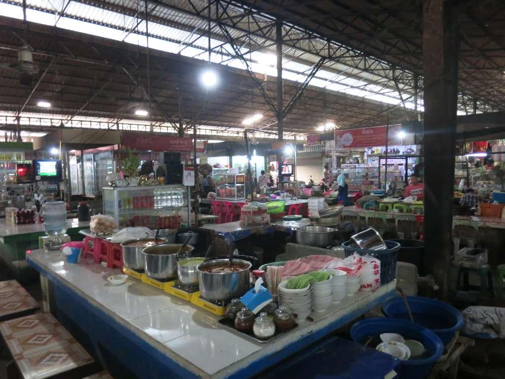 Poipet inside the new market food stalls
